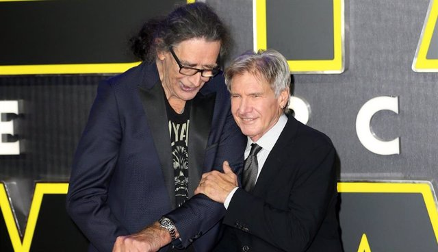 """Las emocionantes palabras de Harrison Ford en el show de Jimmy Fallon: """"Echo de menos a Peter Mayhew"""""""