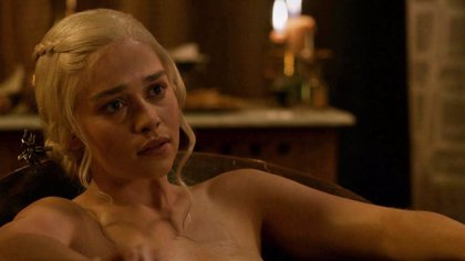 """Emilia Clarke (Daenerys) revela por qué rechazó 50 Sombras de Grey: """"Ya salí desnuda en Juego de Tronos"""""""