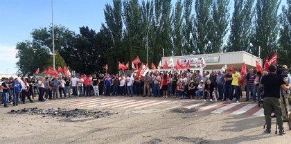 Toda la plantilla de ICSA secunda la primera jornada de huelga a tiempo completo