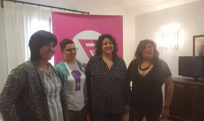 Un fallo da la razón a una madre lesbiana de Mérida a quien se le denegó la deducción por maternidad
