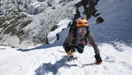 Un chileno llega a la cumbre del Everest sin oxígeno ni equipo de sherpas, ¿cómo lo ha logrado?