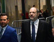 Harvey Weinstein aconsegueix un acord per pagar 44 milions de dòlars a demandants per abusos sexuals i creditors (Louis Lanzano)