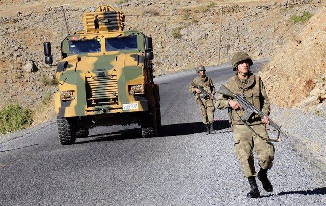 Turquía.- Muere un soldado en un nuevo enfrentamiento con el PKK en el sureste de Turquía