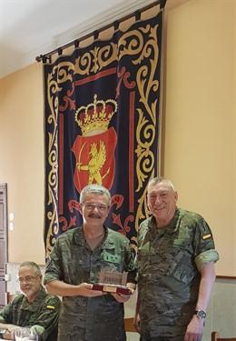 La Comgebal se despide del teniente coronel Pou tras diez años al frente del Centro de Historia Militar de Baleares
