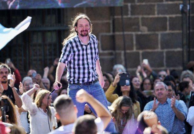 Pablo Iglesias durante un mitin en Canarias