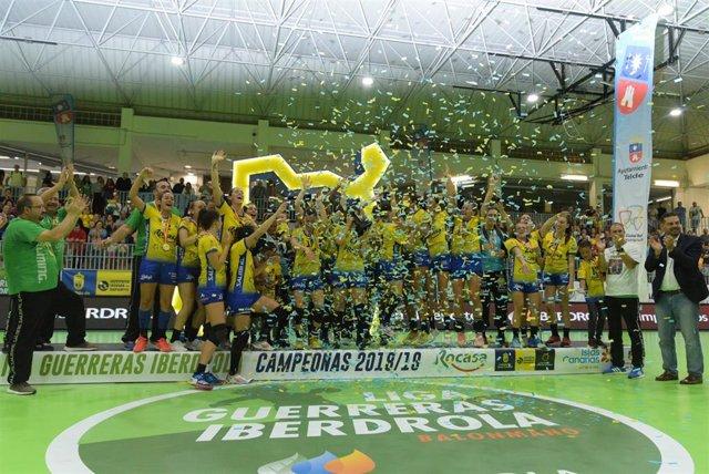 El Rocasa Gran Canaria conquista por primera vez en su historia el título de Liga.