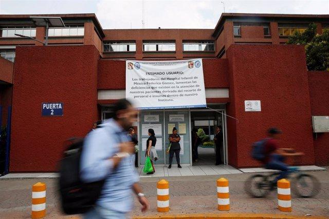 México.- Los recortes presupuestarios del Gobierno retrasan las cirugías de niños y afectan al cuidado de pacientes