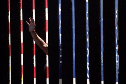 Un juez bloquea temporalmente el uso de fondos del Departamento de Defensa de EEUU para construir el muro en la frontera