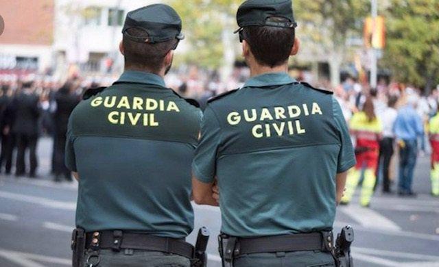Huelva.- La Guardia Civil auxilia a un conductor que sufrió un desvanecimiento en una romería en El Cerro del Andévalo