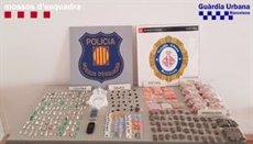 Cinc detinguts per captar turistes i vendre'ls droga al Gòtic de Barcelona (MOSSOS D'ESQUADRA)