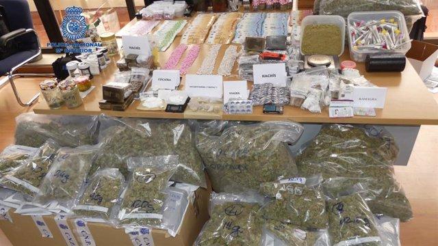 Sucesos.- Desarticulan una banda dedicada al tráfico de drogas que tenía 2.000 pastillas de éxtasis y 11 kilos de hachís