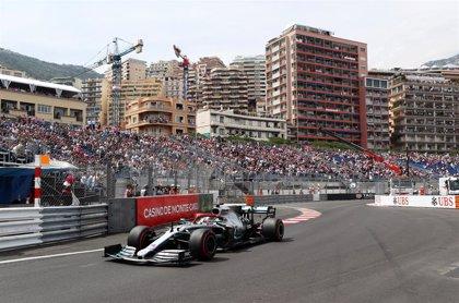 Hamilton brilla en un nuevo desastre de Ferrari en Mónaco y Sainz saldrá noveno