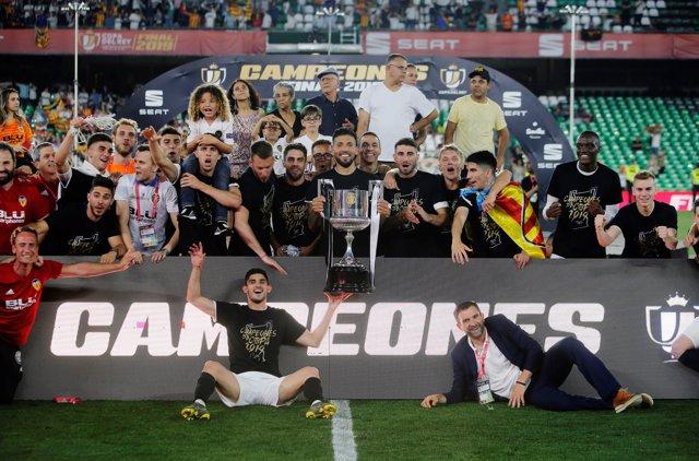 Soccer: UEFA Champions League - Valencia-Arsenal