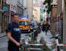 L'explosió de Lió es va deure a una bomba per control remot carregada amb metralla (REUTERS)