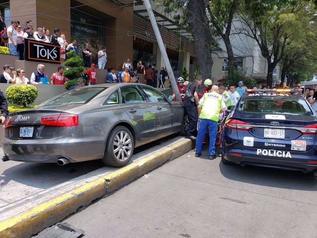 El embajador de Guatemala en México resulta herido en un accidente de coche donde falleció una persona