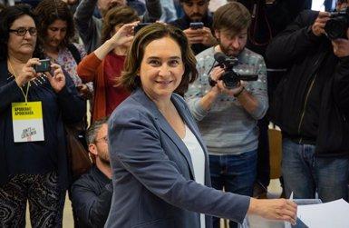 """Ada Colau (BComú) demana una participació massiva per """"conquistar el futur"""" de Barcelona (David Zorrakino/Europa Press)"""