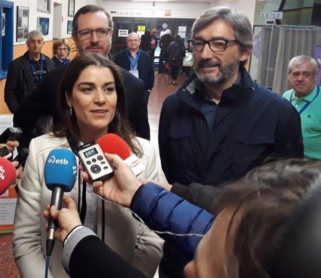 """26M.- Comerón Y Oyarzabal (PP) Animan A Los Ciudadanos A Votar Para Que Vitoria Y Álava Den """"Un Salto Adelante"""""""