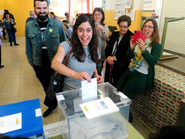 Saliente (CUP) vota en las municipales y se abstiene en las europeas