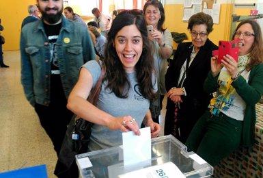 Anna Saliente (CUP) vota en les municipals i s'absté en les europees (EUROPA PRESS)