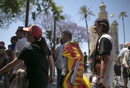 El autobús con la Copa del Rey, implicado en un accidente con un herido en Sevilla