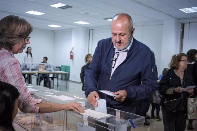 26M.- Ensenyat Vota En Esporles