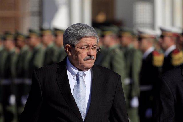 Argelia.- El ex primer ministro argelino Ahmed Uyahia se suma a la lista de comparecencias judiciales