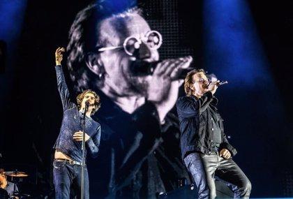 Bono aparece por sorpresa en un concierto de Snow Patrol para cantar One de U2