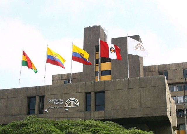 """Los presidentes de Colombia y Ecuador abogan por seguir trabajando en la """"integración"""" de la Comunidad Andina"""