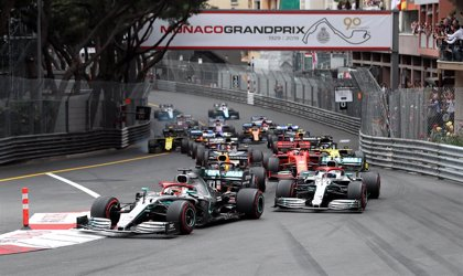 Hamilton homenajea a Niki Lauda con un sufrido triunfo en Mónaco y Sainz termina sexto