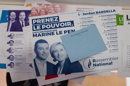 Le Pen pide a Macron que disuelva el Parlamento francés tras la aparente victoria ultraderechista