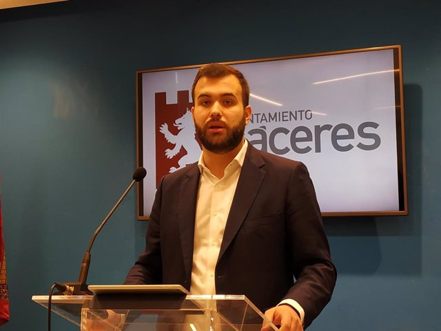 Luis Salaya, portavoz del PSOE en Cáceres