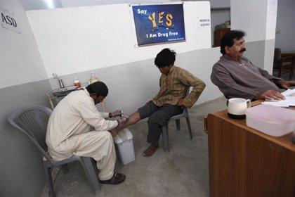 Pakistán.- Identificados en Pakistán casi 700 casos de VIH, la mayoría niños, por posible negligencia médica