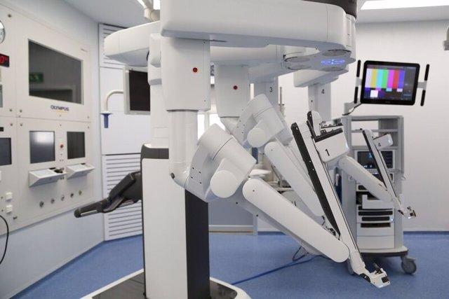 Robot Da Vinci Xi