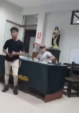 Varios detenidos intentan escapar de una comisaría aprovechando el fuerte sismo en Perú