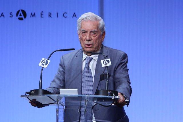 """Inauguración de la exposición """"40 años de diplomacia en democracia. Una historia de éxito"""" en Casa América"""