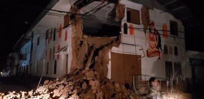 Confirman una segunda muerte y aumentan a 15 los heridos tras el sismo de 8.0 grados que sacudió a Perú