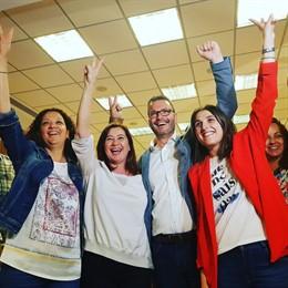 26M-M.- 'We llauri the champions' sona a la seu del PSIB, on els militants celebren la victòria electoral