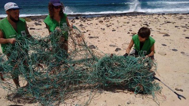 WWF desarrollará acciones para sensibilizar sobre la contaminación del plástico en el archipiélago Chinijo