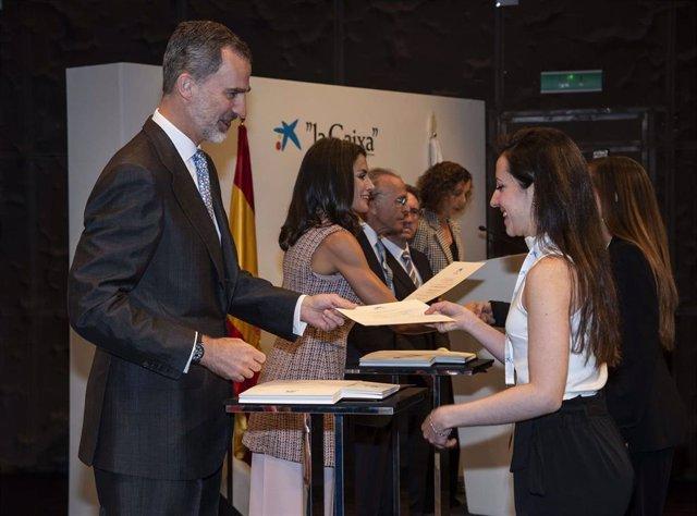 Una estudiante murciana recibe una beca de 'la Caixa' para cursar estudios de posgrado en el extranjero