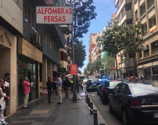 Sucesos.- Una mujer fallece al caer desde la cuarta planta de un edificio en Las Palmas de Gran Canaria