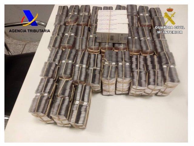 Alicante.- Sucesos.- Incautan en el aeropuerto 14.600 pastillas de un medicamento hipnótico que anula la voluntad