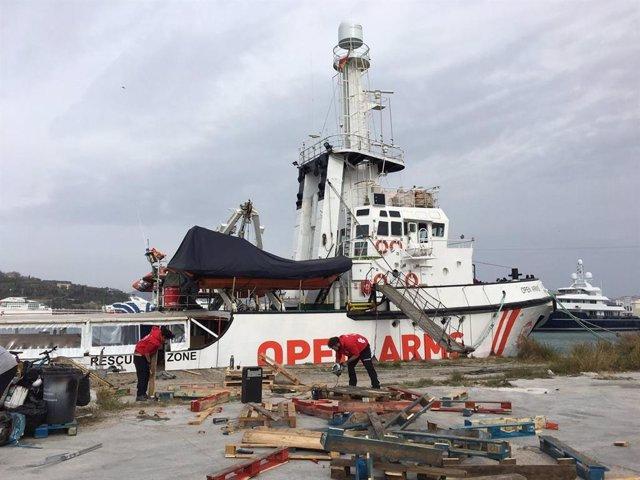 El 'Open Arms' zarpará este martes después de que el temporal retrasase su viaje a Samos y Lesbos