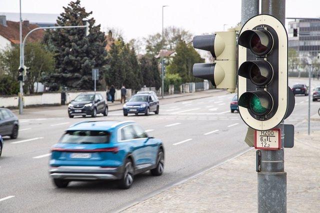 Economía/Motor.- Audi lanza en Europa su servicio de información de semáforos Audi Traffic Light Information