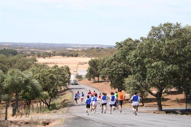 Huelva.- Más de 200 escolares participan en las VI Olimpiadas Deportivas en el Medio Natural en el Huerto Ramírez
