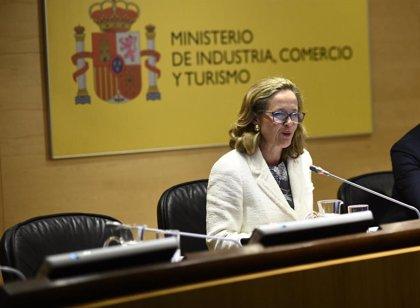"""Calviño ve """"margen"""" para aprobar unos nuevos PGE, aunque """"dependerá de cuándo se constituya el Gobierno"""""""