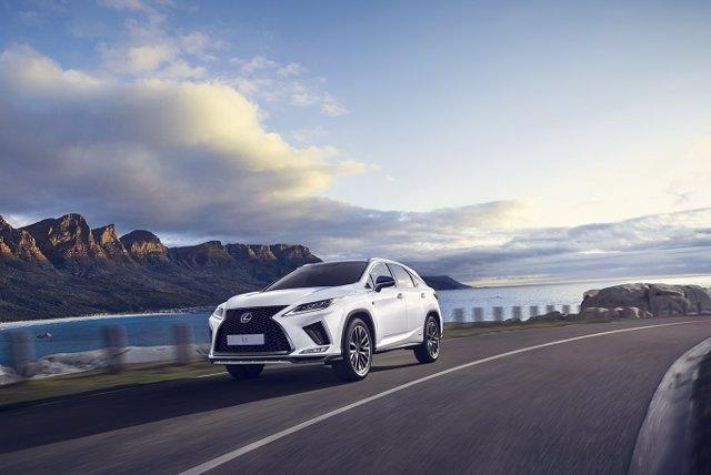 Economía/Motor.- Lexus desvela el nuevo RX 450h, que tendrá versión de siete plazas