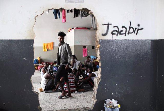 Libia.- Alcanzado un centro de detención de migrantes cerca de Trípoli durante un bombardeo