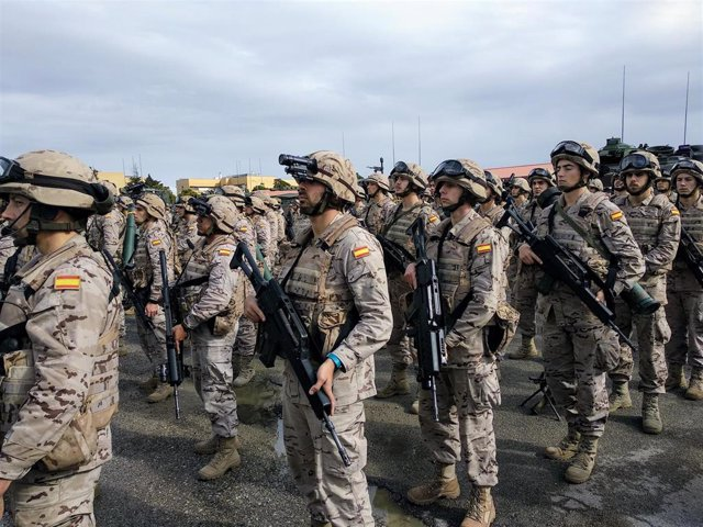"""28A.- Podemos pide parar la salida de militares a los 45 años, """"dignificar"""" sus retribuciones y permitir la sindicación"""