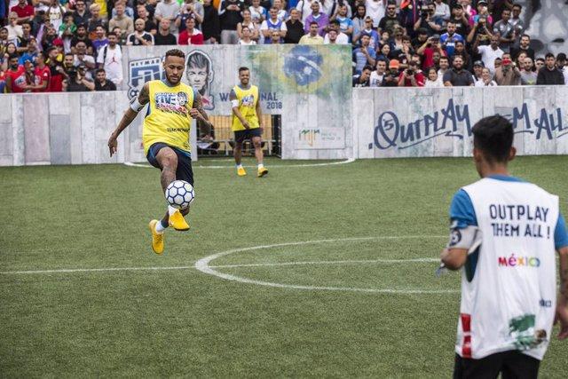 Fútbol.- Neymar trae su torneo de fútbol callejero en junio a Valencia y Madrid