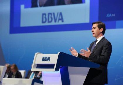 BBVA cae casi un 4% en Bolsa por su exposición a México tras el anuncio de Trump